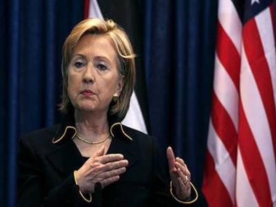 شام کے صدر بشارالاسد حکمرانی کا مینڈیٹ کھوچکے ہیں، اتحادی دمشق پر دباؤ ڈالنے کیلئے مزید پابندیاں جلد عائد کریں گے۔ ہیلری