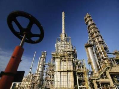 عالمی منڈی میں کاروباری ہفتے کے آغاز پر خام تیل کی قیمت میں اضافہ ۔