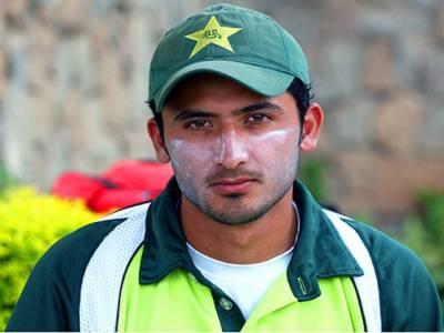پاکستان کےابھرتےہوئے فاسٹ باؤلر جنید خان نے کہا ہےکہ کاؤنٹی کرکٹ سے بہت کچھ سیکھا، سینئر کھلاڑیوں کے ٹیم میں شامل نہ ہونے سے کارکردگی پر کوئی خاص فرق نہیں پڑے گا