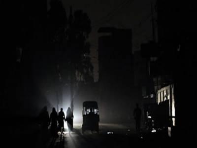 کراچی، ماہ رمضان میں کے ای ایس سی کی جانب سے بجلی غائب ہونے کا دورانیہ بھی بڑھتا جارہا ہے