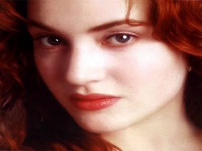 ہالی ووڈ کی معروف اداکارہ کیٹ ونسلیٹ آسمانی بجلی کی زد میں آنے سے بال بال بچ گئیں۔