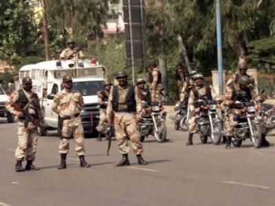 کراچی میں رینجرز کے اختیارات میں تین ماہ کی توسیع ، رینجرز اہلکار شہر میں نوگو ایریاز کو ختم کرکے دفاع میں گولی بھی چلا سکیں گے۔