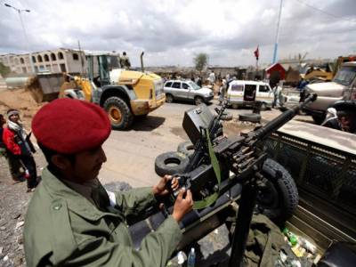 یمن کے جنوبی حصے میں فوج اورشدت پسندوں میں جھڑپ کے دوران چونتیس افراد ہلاک ہوگئے ہیں