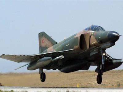 ترکی نےالزام لگایا ہےکہ شام نےاس کے تباہ شدہ طیارے کا ملبہ تلاش کرنے میں مصروف طیارے پر بھی فائرنگ کی ہے۔