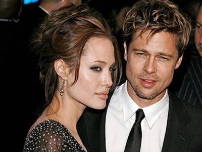 ہالی وڈ کے مشہور فلمی جوڑے بریڈ پٹ اور انجلینا جولی نے بالآخر شادی کرنے کا فیصلہ کرلیا ہے۔