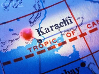کراچی میں فائرنگ سے ایک شخص جاں بحق جبکہ ایک زخمی ہوگیا، پولیس مقابلوں کے دوران ڈکیتی اورتاوان میں ملوث دوملزمان مارے گئے۔