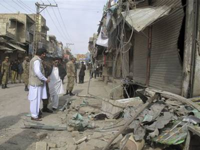 ڈیرہ اسماعیل خان: نو اور دس محرم الحرام کے جلوسوں کے دوران دہشتگردی کے واقعات پرشہرکی فضا سوگوارہے۔ تمام تعلیمی ادارے،بازاراورکاروباری مراکزآج بند رہے۔