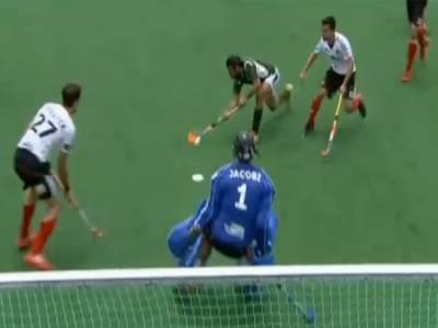 چیمپئنز ٹرافی ہاکی ٹورنامنٹ: کوارٹرفائنل میں پاکستان نے جرمنی کو ایک کے مقابلے میں دو گول سے شکست دے کر سیمی فائنل کیلئے کوالیفائی کرلیا۔