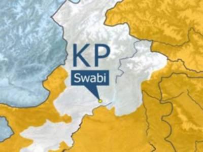 صوابی میں غیر سرکاری تنظیم کی گاڑی پر نامعلوم افراد کی فائرنگ سے چھ خواتین سمیت سات افراد جاں بحق ہوگئے۔