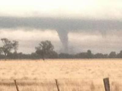 آسٹریلیا میں طوفانی ہوا کے بگولوں کے باعث کئی قصبے تباہ، اسی افراد زخمی ہو گئے۔
