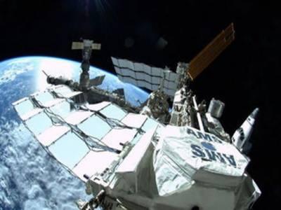 ناسا کےسائنس دانوں نے ڈارک میٹر کے رازوں سے پردہ اٹھاتےہوئےانکشاف کیاہے کہ ڈارک میٹر کائنات کو جوڑنے کا کام کررہا ہے.