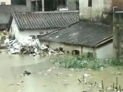 چین میں موسلادھار بارشوں نے تباہی مچادی کھڑی فصلیں تباہ، کئی رہائشی علاقے زیرآب آگئے, ٹریفک کو بھی شدید مشکلات کا سامنا کرنا پڑا.