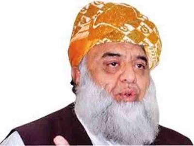 جمعیت علمائے اسلام فے کے سربراہ مولانا فضل الرحمان نے کہا ہے کہ انتخابات کے ڈیڑھ سال بعد دھاندلی کا شور مچانا بچپن کی سیاست کرنے جیسا ہے