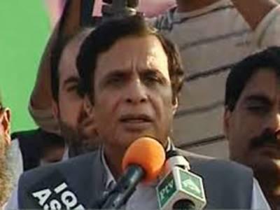 مسلم لیگ قاف کے مرکزی رہنما چوہدری پرویزالہیٰ نے کہا ہے کہ جنوبی پنجاب میں کپاس اگانے والے کسانوں کا معاشی قتل کیا جارہا ہے ، جبکہ ٹریڈنگ کارپورریشن آف پاکستان کی غلط پالیسوں سے کسان پریشان ہیں۔