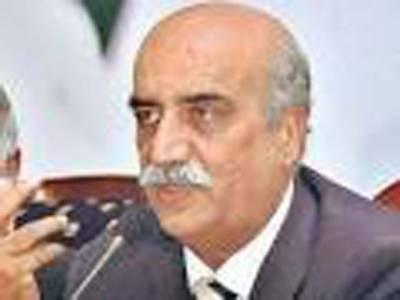 قومی اسمبلی میں قائد حزب اختلاف سید خورشید شاہ نے کہا ہے کہ فیصل آباد میں وزیراعظم کو ان کی اپنی ٹیم نے نقصان پہنچایا وزیراعظم نواز شریف خود ہی عمران خان کو لیڈر بنانا چاہتے ہیں۔
