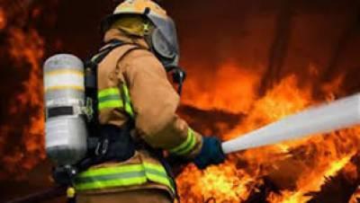 پاکستان میں فائر فائٹرز کو وہ سہولیات میسر نہیں ہیں جو ہونی چاہیئں یہی وجہ ہے کہ کہیں بھی آتشزدگی کا واقعہ پیش آئے آگ بجھانےمیں گھنٹوں لگ جاتے ہیں،اس کے برعکس مغربی ممالک میں ایسے حادثات پرمنٹوں میں قابو پالیا جاتا ہے