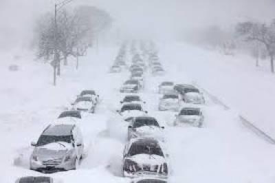 امریکا میں شدید برفباری نے نظام زندگی کو درہم برہم کردی