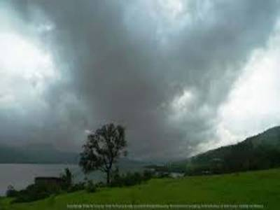 محکمہ موسمیات کا کہنا ہے کہ آئندہ چوبیس گھنٹے کے دوران ملک کے میدانی علاقوں میں موسم گرم اور فضا میں نمی کا امکان ہے