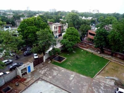 چیف میٹرالوجسٹ محمد ریاض کا کہنا ہے کہ لاہور میں آئندہ دودن موسم خوشگوار رہنے کا امکان ہے