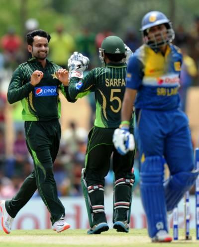 پاکستان نے پہلے ون ڈے میں سری لنکا کو 6 وکٹوں سے شکست دے دی