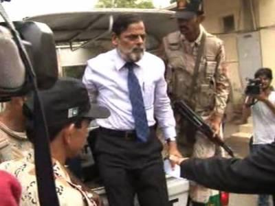 کراچی میں رینجرز کے ہاتھوں گرفتار سوئی سدرن گیس کے افسران میگا کرپشن میں ڈاکٹر عاصم کے اہم مہرے نکلے