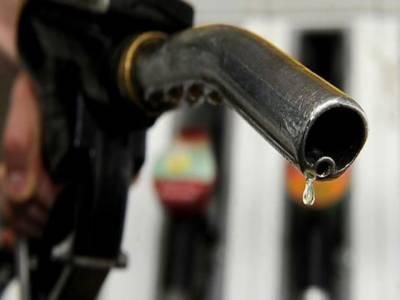 حکومت نے پٹرولیم مصنوعات کی قیمتوں میں اضافے کی سمری تیار کر لی