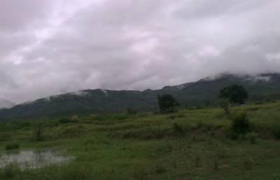 مالاکنڈ ڈویژن،گلگت بلتستان،کشمیر اور اس سےملحقہ پہاڑی علاقوں میں چند مقامات پرآج تیز ہواوٗں اور گرج چمک کےساتھ بارش کا امکان
