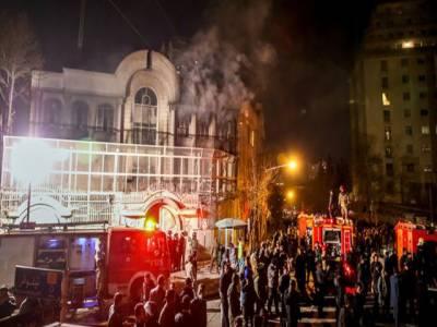 تہران میں سعودی سفارتخانے پر دھاوا، توڑ پھوڑ:سعودی عرب کا ایرانی سفیرکو ملک چھوڑنےکاحکم