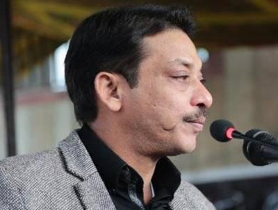 سابق سینیٹر فیصل رضا عابدی کو غیرقانونی اسلحہ رکھنے کے کیس میں انیس نومبر تک جوڈیشل ریمانڈ پر جیل بھجوا دیا گیا