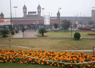 آئندہ چوبیس گھنٹے میں لاہور، راولپنڈی،گوجرانوالہ ڈویژن،گلگت بلتستان اور کشمیر میں چند مقامات پر ہلکی بارش کا امکان