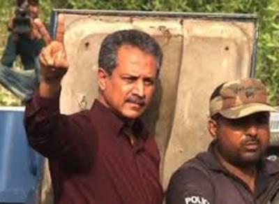 مئیر کراچی وسیم اختر کی ضمانت منظور,فاروق ستار، حیدر عباس رضوی سمیت بائیس ملزمان کے ایک بار پھر ناقابل ضمانت وارنٹ گرفتاری جاری