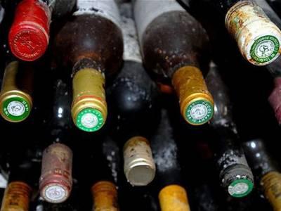 پشاور میں بھی زہریلی شراب پینے سے ہلاک ہونے والوں کی تعداد پانچ ہو گئی