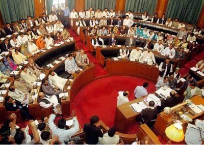 سندھ اسمبلی کے اجلاس میں مراد علی شاہ کی تقریر کے دوران اپوزیشن کا ہنگامہ