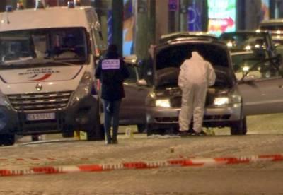 پیرس میں فائرنگ سے 2 پولیس اہلکار ہلاک