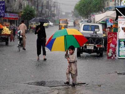 لاہورسمیت پنجاب کےدیگر شہروں اورپشاور، ہزارہ، فاٹا، اسلام آباد ک,شمیر میں چند مقامات پر تیز ہواوٗں اورگرج چمک کیساتھ مزید بارش کا امکان