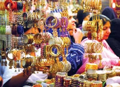 لاہور میں عید کی خریداری کا سلسلہ عروج پر پہنچ گیا