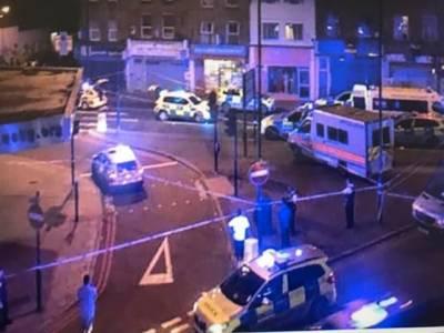 لندن، جنونی شخص نے وین نمازیوں پر چڑھادی، 2 افراد جاں بحق، 10 زخمی، برطانوی وزیر اعظم نے خوفناک واقعہ قرار دیدیا