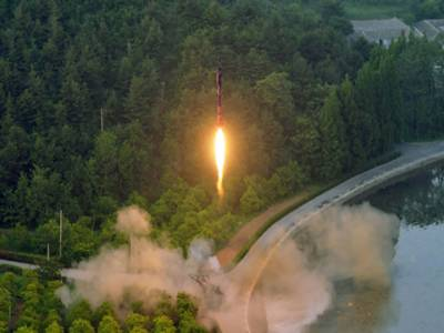 شمالی کوریا نے سمندر میں تین میزائل داغ دیئے