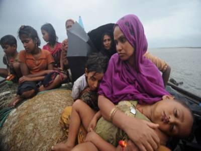روہنگیا مسلمانوں کی نسل کشی جاری، سینکڑوں پناہ کی تلاش میں سمندر کا شکار