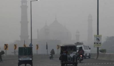پنجاب:گہری دھند اور اسموگ ،حدنگاہ صفر،حادثات میں2افراد جاں بحق ، 10سے زائدزخمی