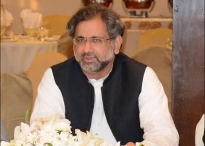 وزیراعظم شاہد خاقان عباسی نواز شریف سے ملاقات کے لیے لاہور پہنچ گئے