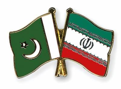 زلزلہ زدگان کے لئے پاکستانی امداد تہران پہنچ گئی, پاکستان امداد فراہم کرنے والا سب سے پہلا ملک ہے