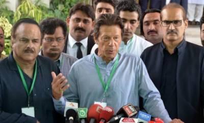 طاہرالقادری احتجاج کے لیے سڑکوں پر نکلے تو ان کا ساتھ دیں گے:عمران خان