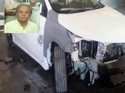 جاوید ہاشمی کی گاڑی حادثے کا شکار، معجزاتی طور پر محفوظ رہے
