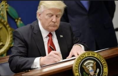 ٹرمپ نے 700 ارب ڈالر کے دفاعی پالیسی بل پر دستخط کر دیئے