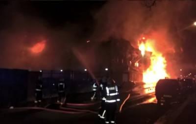 لندن کی پینٹ فیکٹری میں آگ لگ گئی،ملازمین کو بحفاظت نکال لیاگیا