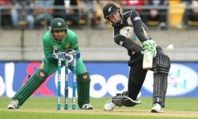 نیوزی لینڈکی پاکستان کو دوسرے ون ڈے میں 8 وکٹوں سے شکست