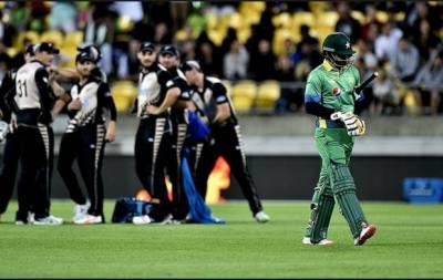 نیوزی لینڈ نے تیسرے ون ڈے میں پاکستان کو 183رنزسے شکست دےدی