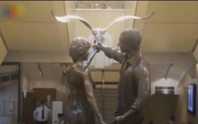 برطانوی اسٹور سے ڈیانا اور ڈوڈی کا مجسمہ ہٹانے کا فیصلہ