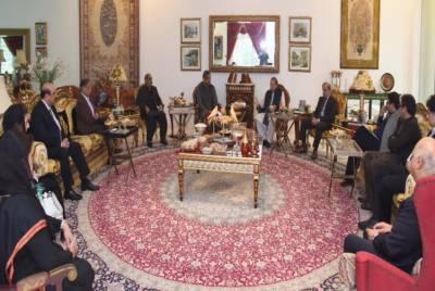 نواز شریف کی زیر صدارت مسلم لیگ (ن) کا اعلیٰ سطحی مشاورتی اجلاس,وزیراعظم سمیت دیگر راہنماؤں کی شرکت
